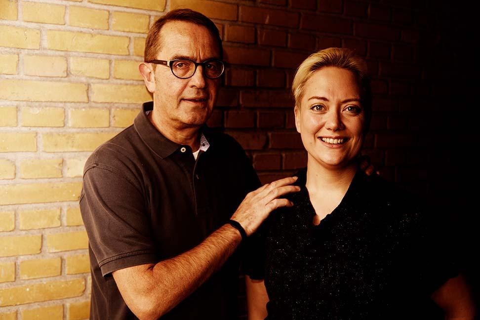 Linda Jensen fra Hobro faldt af hesten og fik en synsskade, der ændrede livet med mand, børn og job til et mareridt. Hverken lægerne på Aalborg Sygehus eller speciallæger har kunnet hjælpe Linda, men det kunne akupunktør fra Randers, Peter Werge heldigvis.